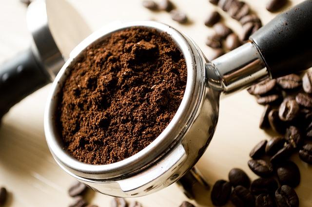 dávkovač na kávu