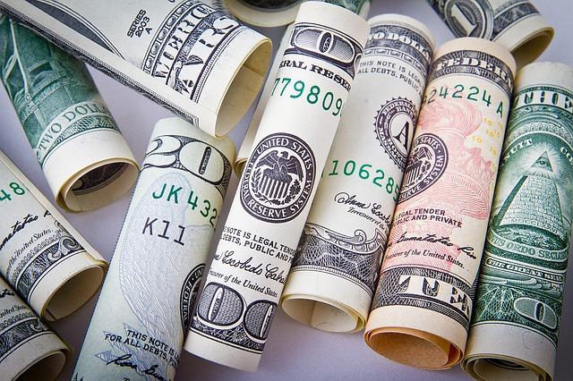 srolované peníze